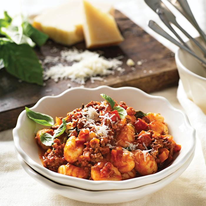 ماکارونی با سس بلونز| pasta-with-bolognese-sauce